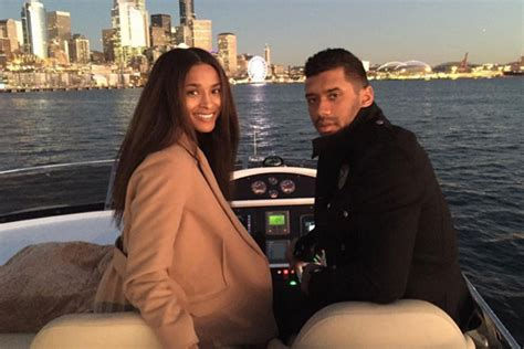 Russell Wilson Uses Google To Write Nice Things About
