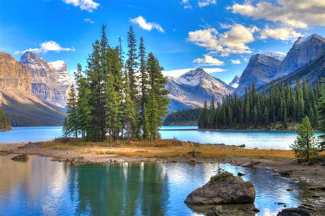 10 Good Reasons to Study in Alberta   Student World Online