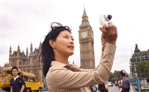 Chinese tourists to spend £1bn in UK by 2017 - Telegraph